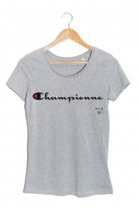 championne t-shirt femme gris my boobs buddy autopalpation